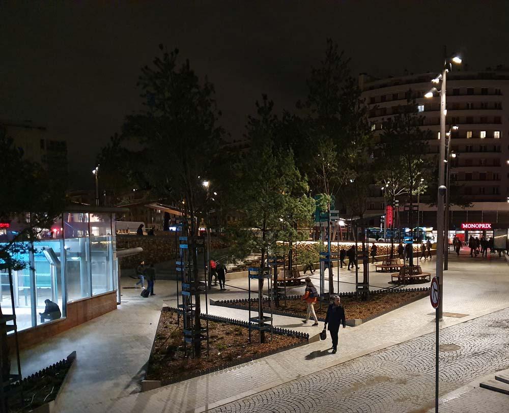 Place de la gare de Bourg-la-Reine