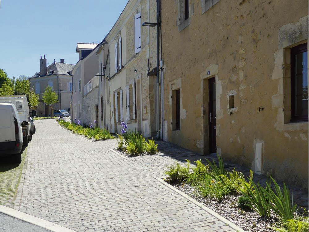 Place des terrasses à Durtal